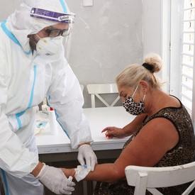 Israel comenzó a aplicar un nuevo remedio contra el Coronavirus